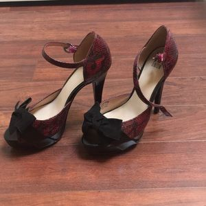 Black and red snake skin print heels. Size 8